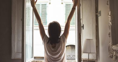 6 Stretches You Should be Doing Every Morning